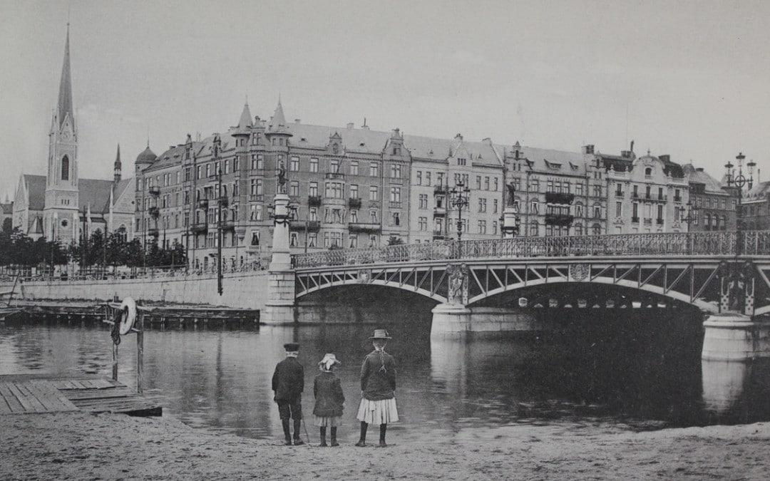 Djurgårdsbron har en brokig historia