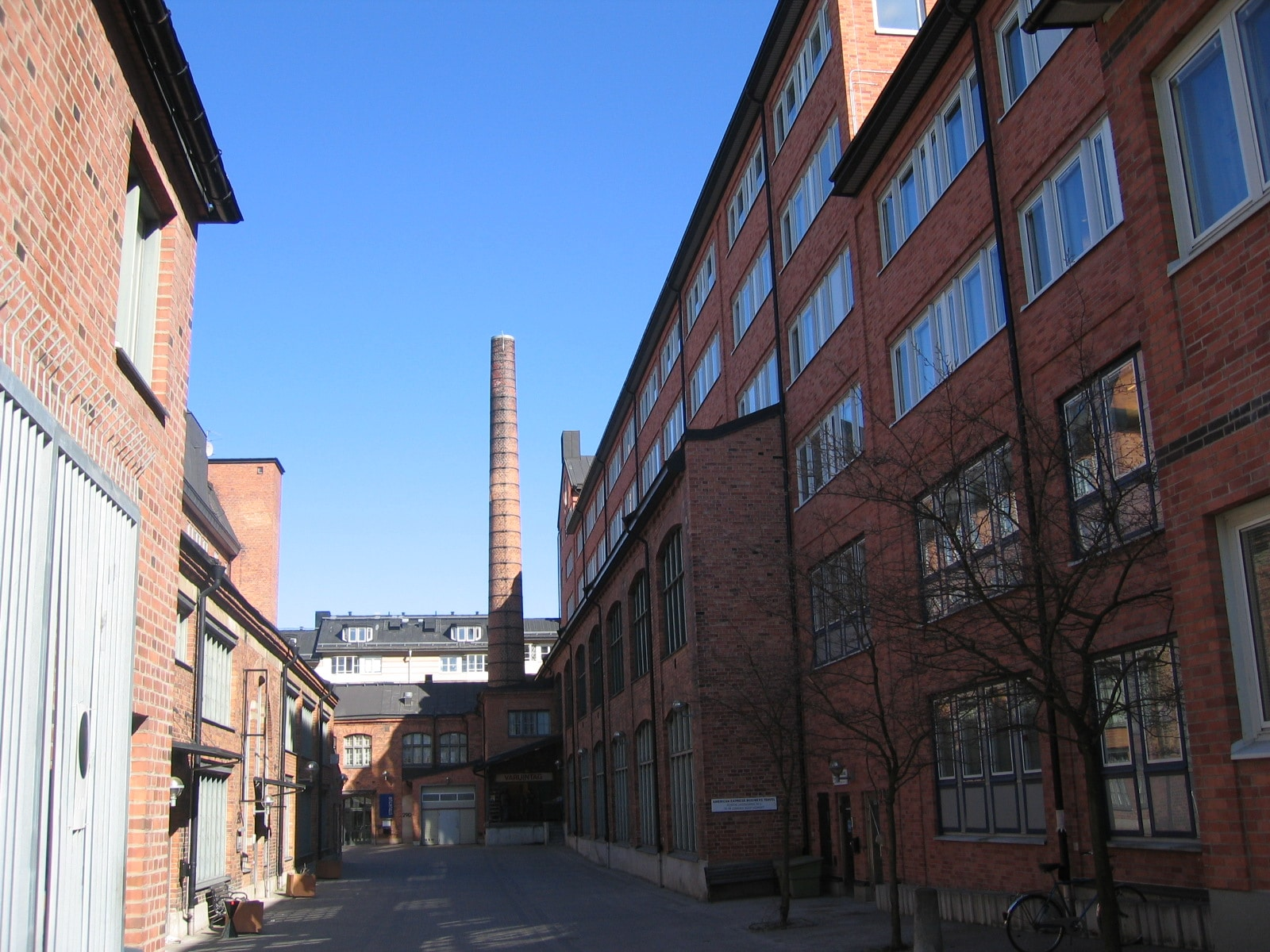 Korvar, maskiner och social omtanke på Magnus Ladulåsgatan