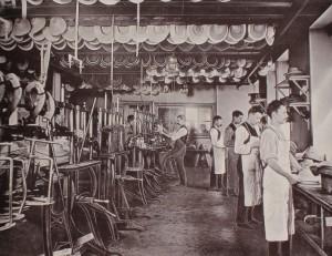 Formsalen i stråhattfabriken (Foto: SSM)